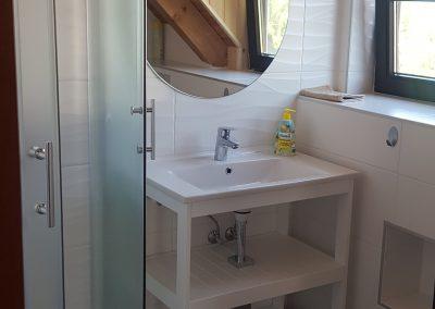 Emelet fürdő
