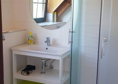 Emelet fürdő 2